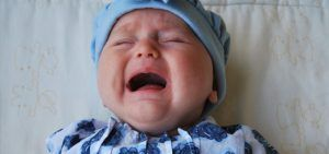 dejar llorar al bebe